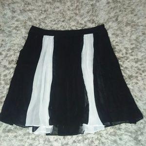 Worthington black and white skirt